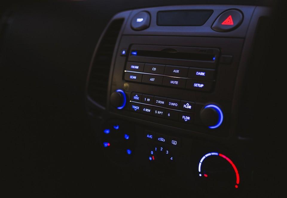 ฟังเพลงตอนขับรถ มีประโยชน์มากกว่าที่คิด