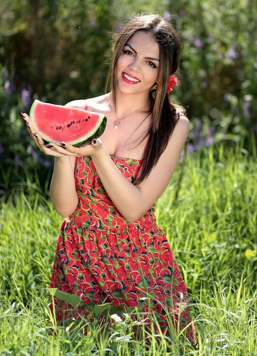 บักแตงโม เพลงดังยอดฮิตกับอีกแง่มุมกระทบปมด้อยสาวอกโต