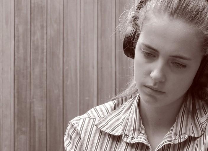 3 เหตุผล ทำไมคนอกหักห้ามฟังเพลงเศร้า